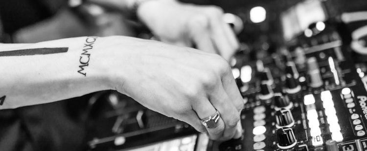 Hoeveel verdienen de beste DJ's ter wereld?